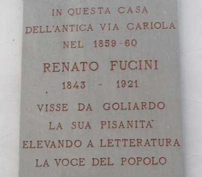 Targa dedicata a Renato Fucini in via Giordano Bruno a Pisa