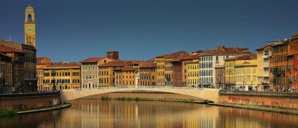 Flussufer lungarno Pisa